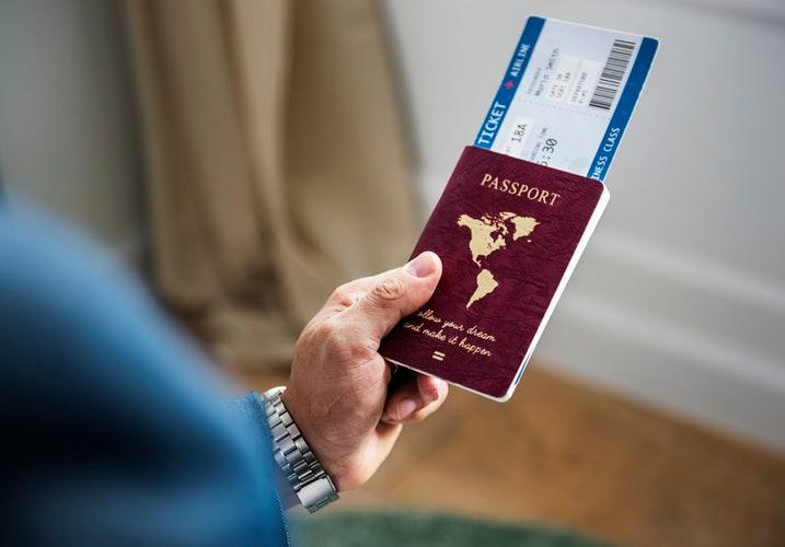 Border protection officers only allow people with valid passports/visas to enter a country. Similarly, the blood-brain barrier only allows moieties that are small, neutrally charged, and highly lipid soluble to enter the brain. Picture by rawpixel on Unsplash.