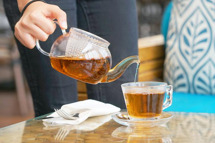 Going out to dinner with friends while on a time-restricted eating schedule? Just order some tea!