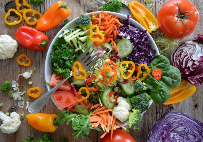 """A """"happy"""" plate full of brain-healthy plant pigments. Photo by Nadine Primeau on Unsplash."""